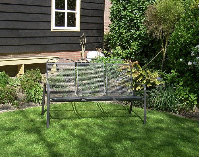 metalen tuinbank met 3 zittingen