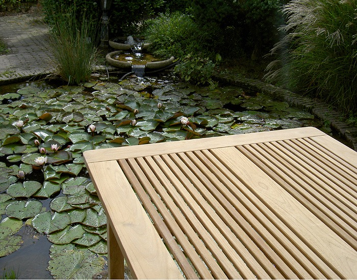 Elegance tuintafel van hout 90 x 90 cm