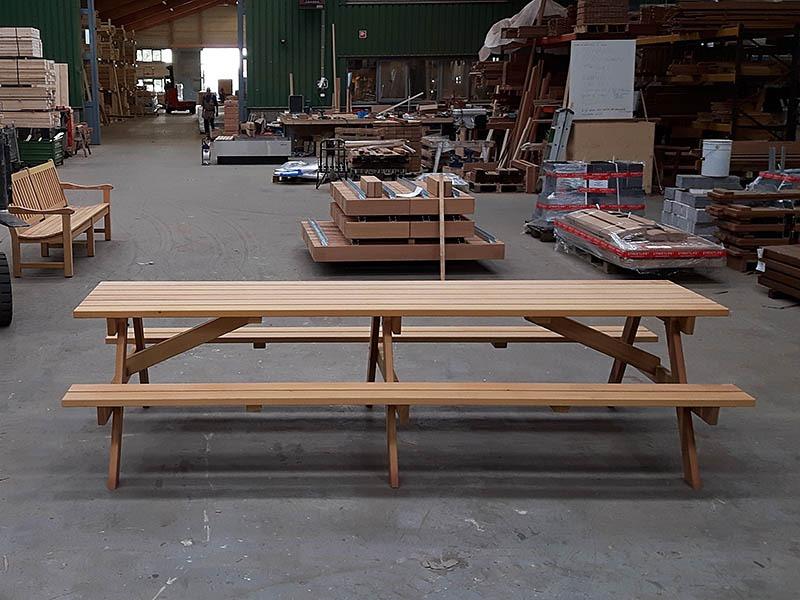 lange picknicktafel van 320 cm met middenpoot