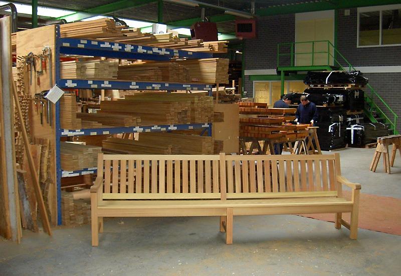fabriek van vondel houten tuinmeubelen in kapel avezaath