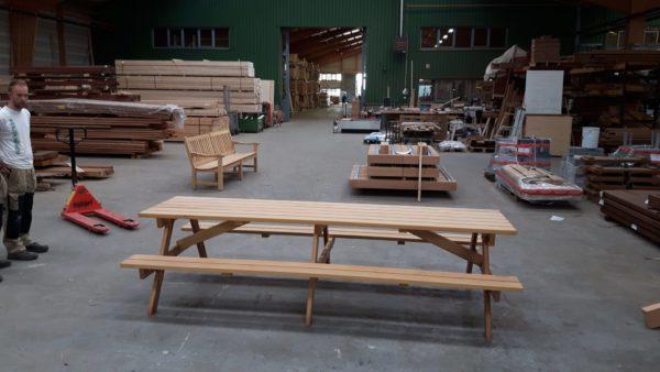 fabriek van houten tuinmeubelen in Nederland en België