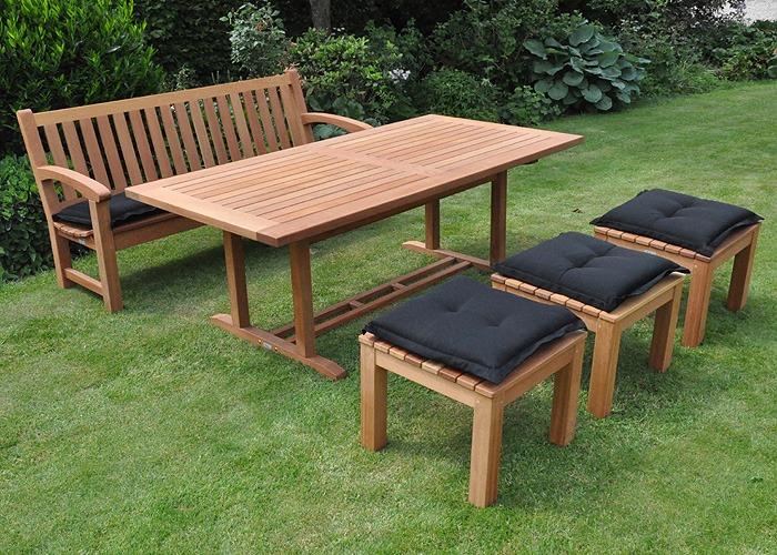 FSC Hard houten tuintafel met tuinkrukken en tuinbank van Vondel tuinmeubelen