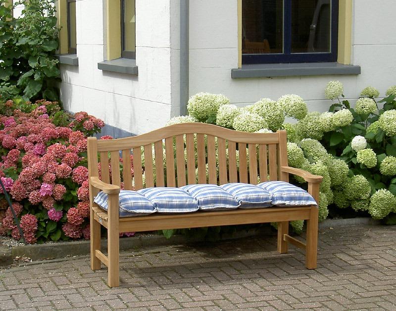 klassieke tuinbank van teak hout