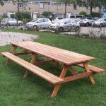 lange picknicktafels met middenpoot