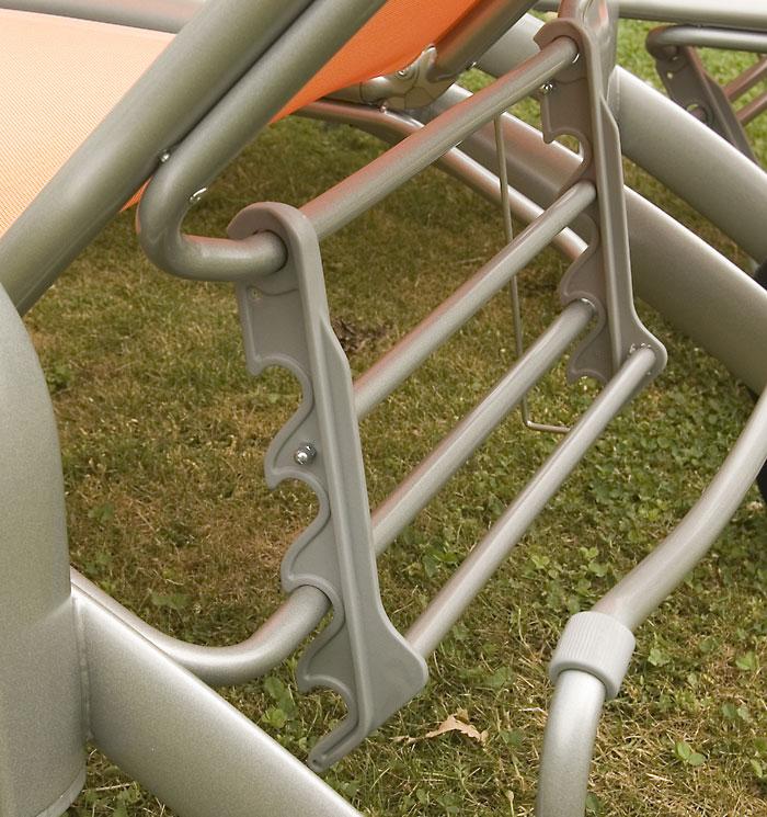 metalen ligbed voor in tuin verstelbaar