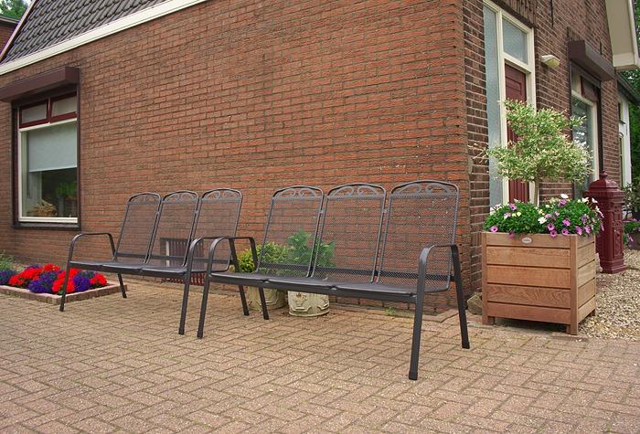 drie zits metalen tuinbanken kleur anthraciet, donker grijs