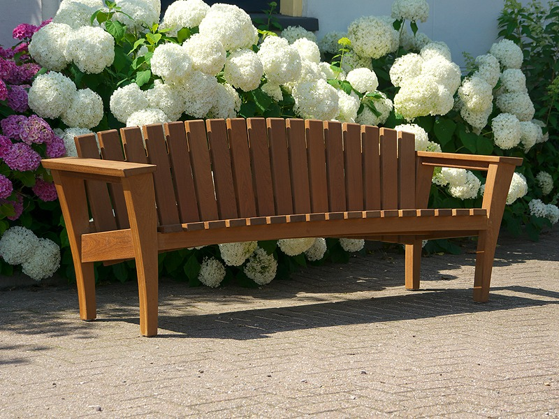 mooie moderne tuinbank van FSC hardhout