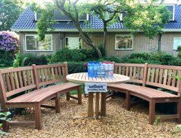 nieuwe houten ronde tuinbanken
