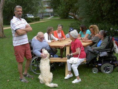 6-kant picknicktafels voor de horeca, voor terras ook voor rolstoelen geschikt