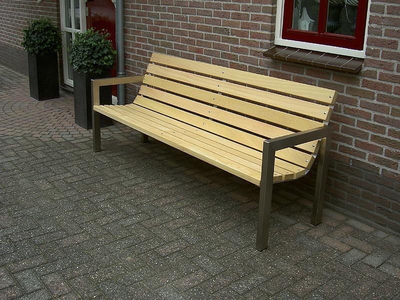 roest vrij staal (rvs) frame tuinbank met hardhout fsc gecertificeerd