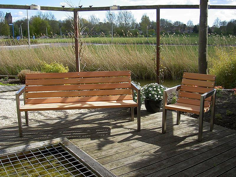 roestvrij stalen (rvs) tuinmeubelen met fsc hard hout