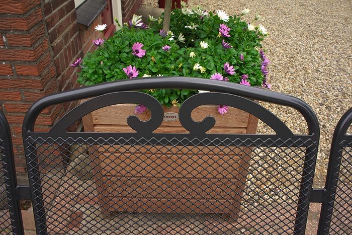 rugleuning van metalen tuinbank