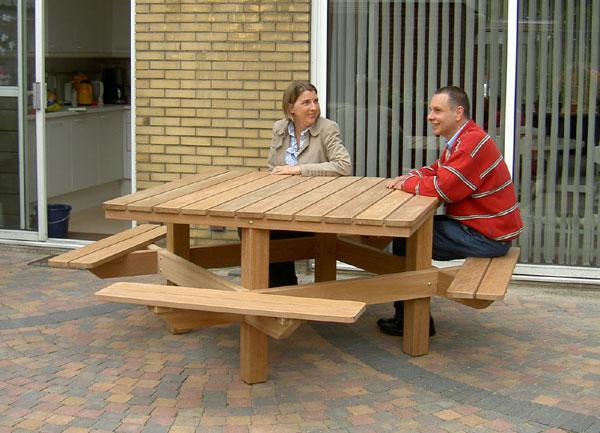 stevige 4 kante picknicktafels van FSC hardhout