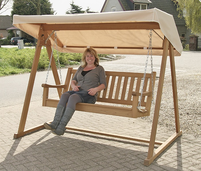 stevige houten schommelbanken, van FSC gecertificeerd hard hout