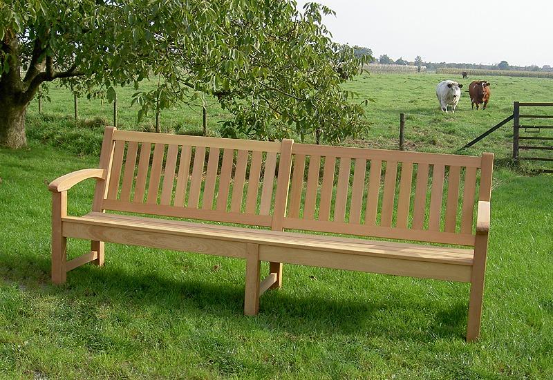 lange houten tuinbank ,250cm lang van FSC gecertificeerd hardhout