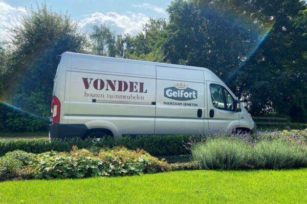 Vondel en Gelfort tuinmeubelen bezorgen met eigen vervoer