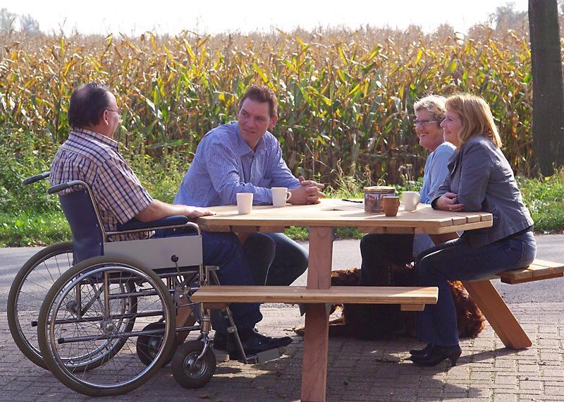 zeskant picknicktafels voor rolstoelen